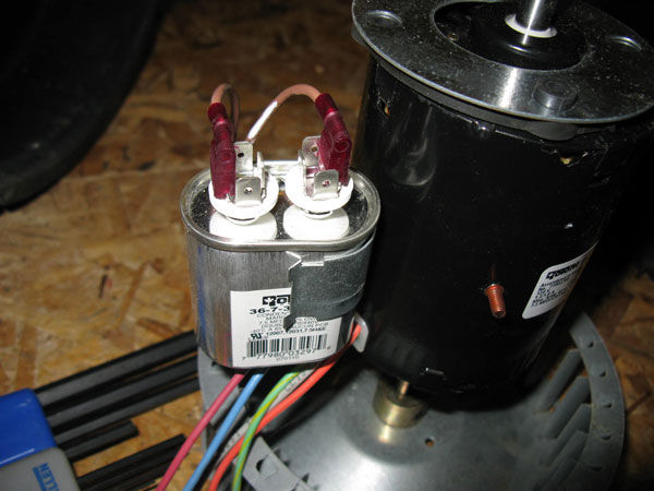 venmar heat exhangers motor replacement in the picture above the new capacitor is silver and larger but still fits the clip you will have to reposition the capacitor when you install the motor